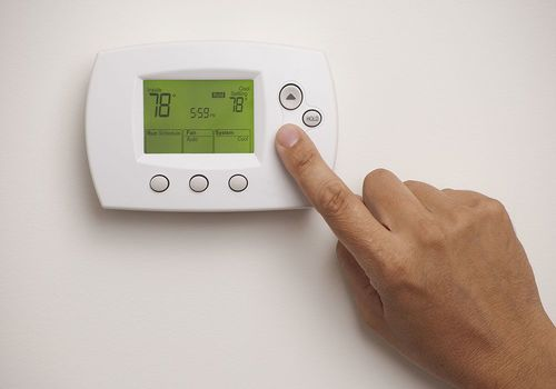 Regulating AC temperature during the day